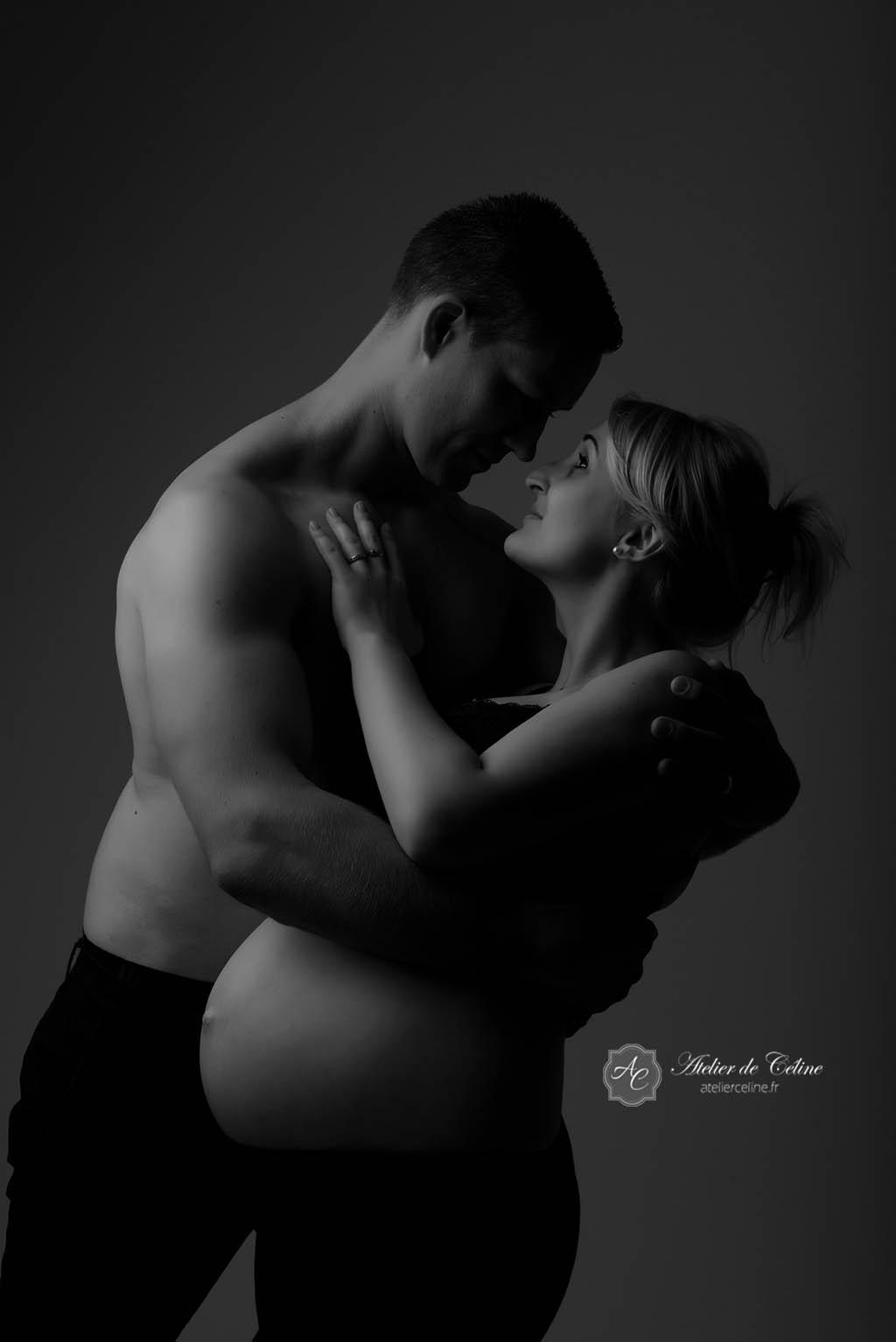 Séance grossesse, femme, femme enceinte, studio, couple (2)